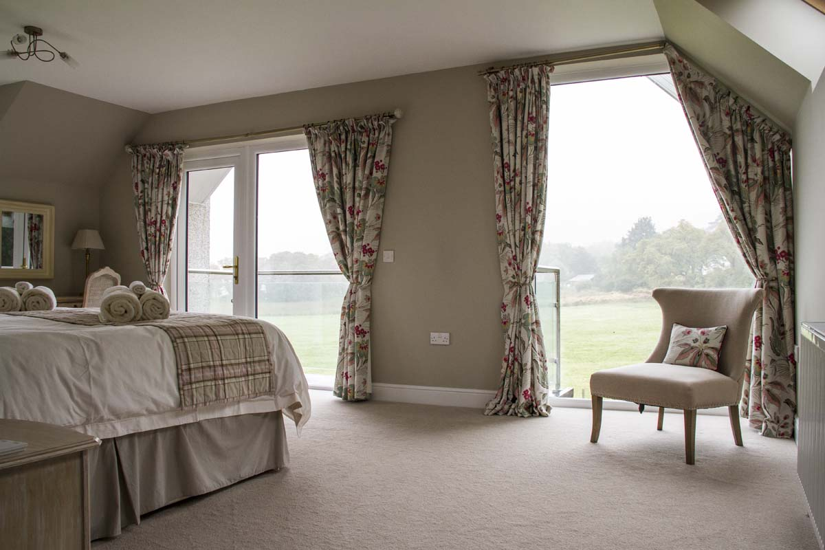 coopers-knowe-house-self-catering-scotland-master-bedroom-1