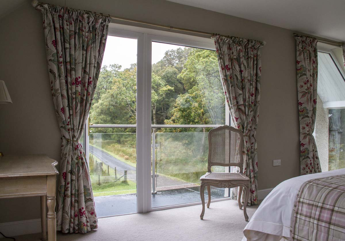coopers-knowe-house-self-catering-scotland-master-bedroom-2