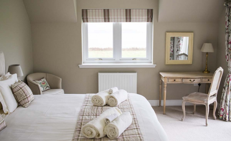 coopers-knowe-house-self-catering-scotland-master-bedroom