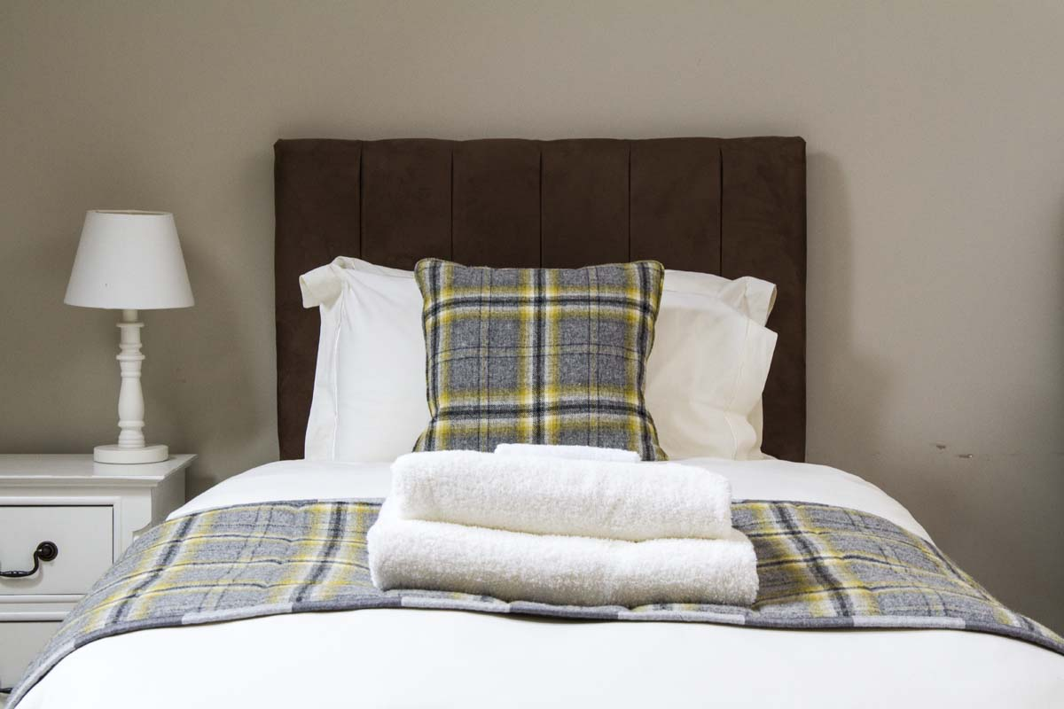 coopers-knowe-house-self-catering-scotland-twin-bedroom-4